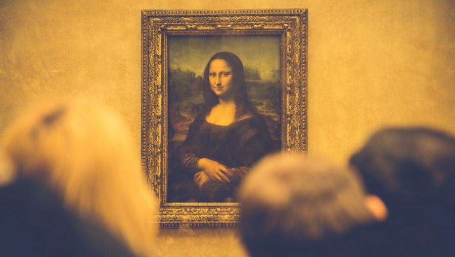 Leonard De Vinci's Exhibition at Louvre Museum and Shuttles at the Empire Paris