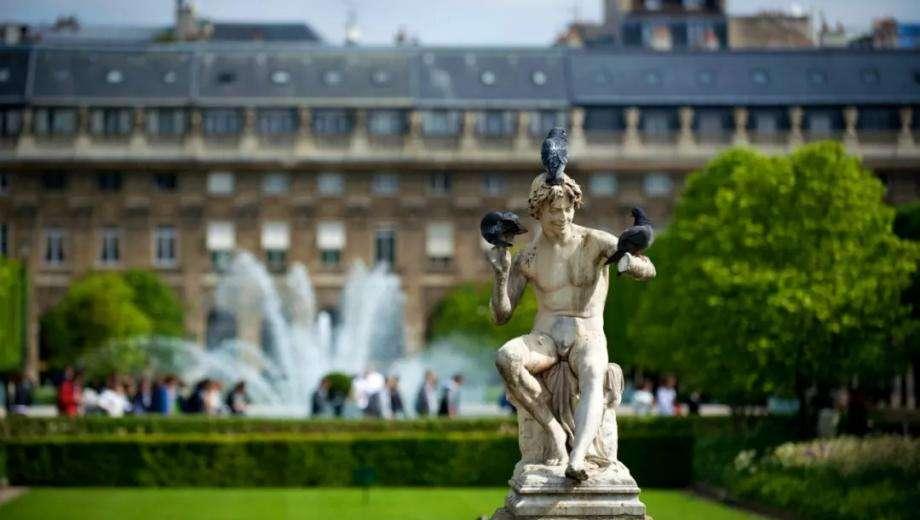 Jardin du Palais royal et colonnes de Buren : 2 joyaux