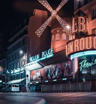 Parisian cabarets: the festive spirit of the capital