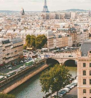 Juillet à l'hôtel Empire Paris