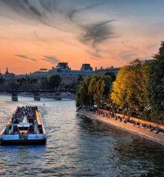 Paris en scène lors d'une croisière sur la Seine